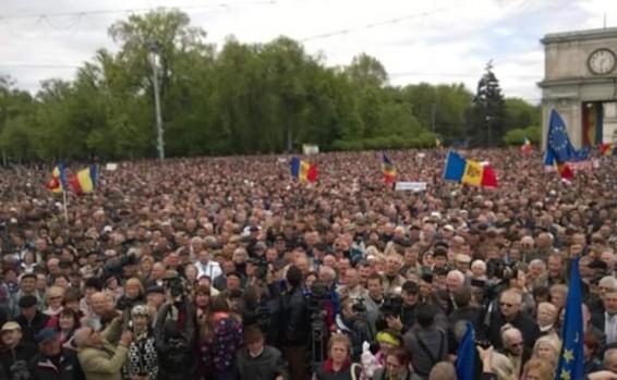 Proteste 3 mai 2015