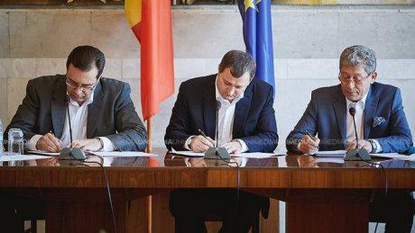 REALITATEA.NET-video_acordul_de_constituire_a_coalitiei_pldm__pdm_si_pl_a_fost_semnat_1437653282_86106200