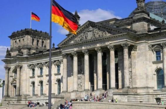 burse-de-studii-oferite-de-bundestagul-germaniei-pentru-tinerii-din-republica-moldova-1429259803