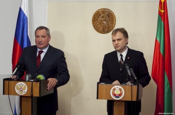 evghenii-Sevciuk--din-nou-la-sfat-cu-vicepremierul-rus-dmitri-rogozin-1441462210
