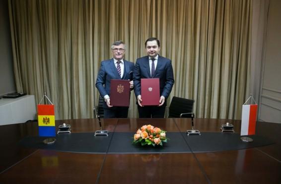 Polonia Moldova ambasadori