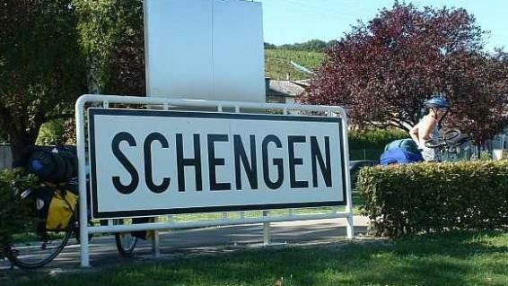 Schengen1-586x319