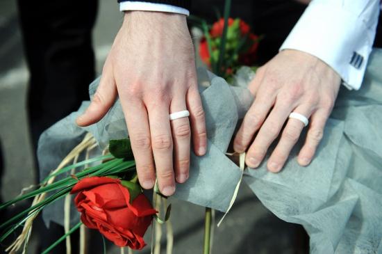 guvernul-francez-a-adoptat-proiectul-de-lege-privind-casatoriile-intre-persoane-de-acelasi-sex-176811