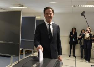 Premierul Mark Rutte la vot la Haga