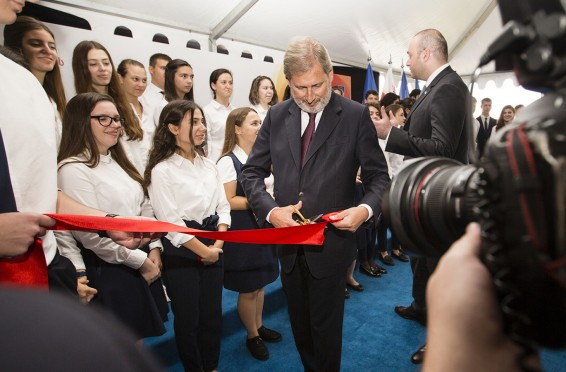Hahn at EaP School opening in Tbilisi - Sept 2018_0